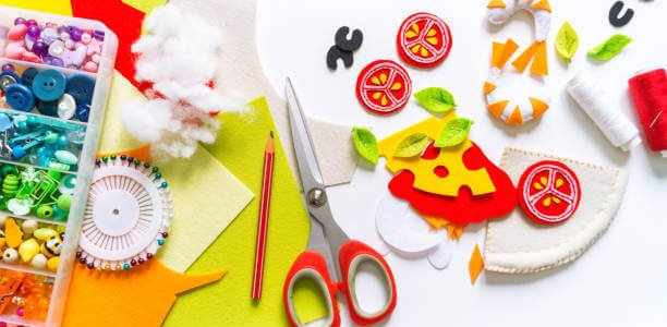 Montessori material. Felt pizza. Toy for a teenager. Material for creativity and crafts diy.